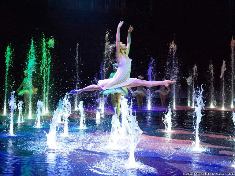the house of dancing water2
