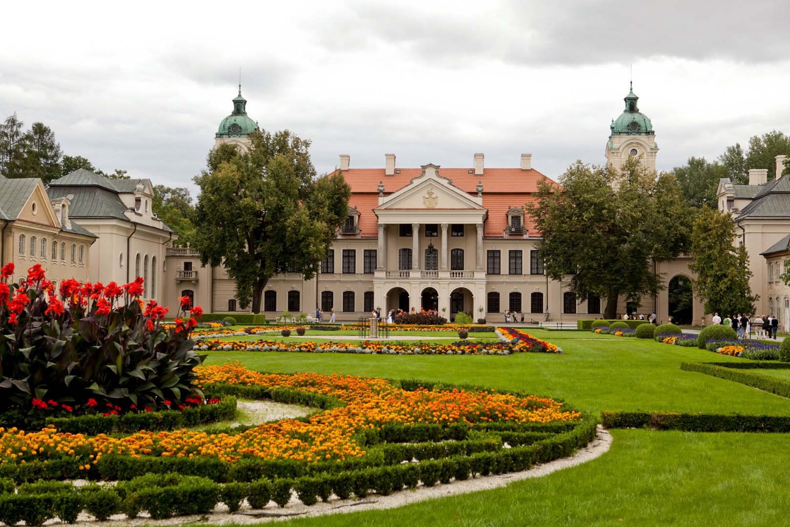 The charming, majestic palace in the film Shaandaar is Zamoyski Palace located in Kozlowka, LUBLIN, POLAND