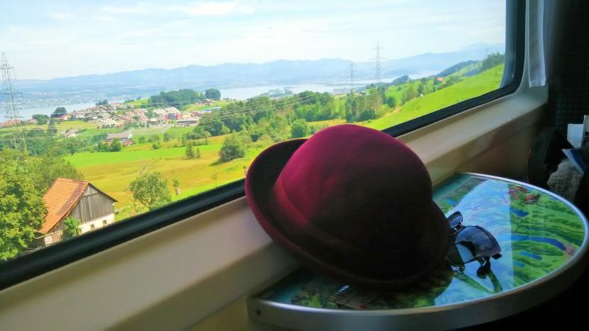 BASICS OF TOURING EUROPE BYTRAIN
