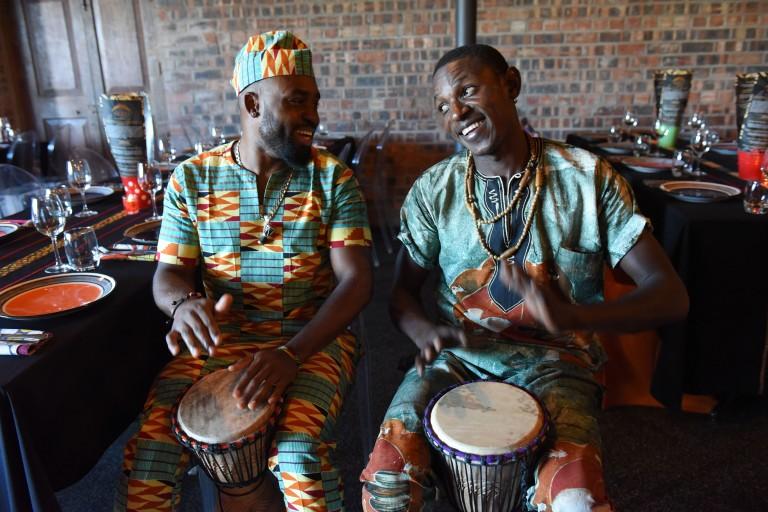 Djembe drumming experience2