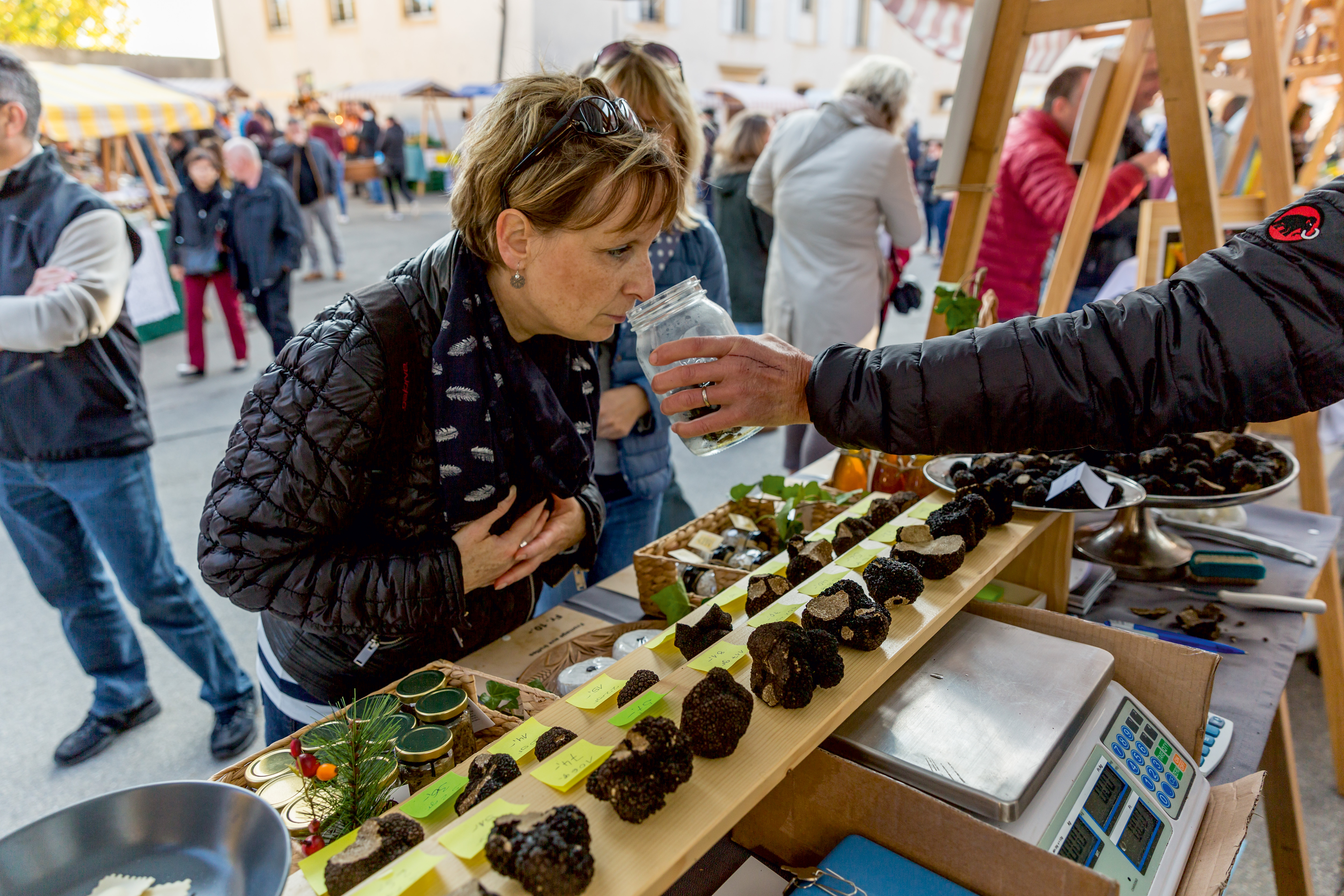 WHY FOOD TOURS ARE THE BEST WAY TO GO AROUND A NEW CITY